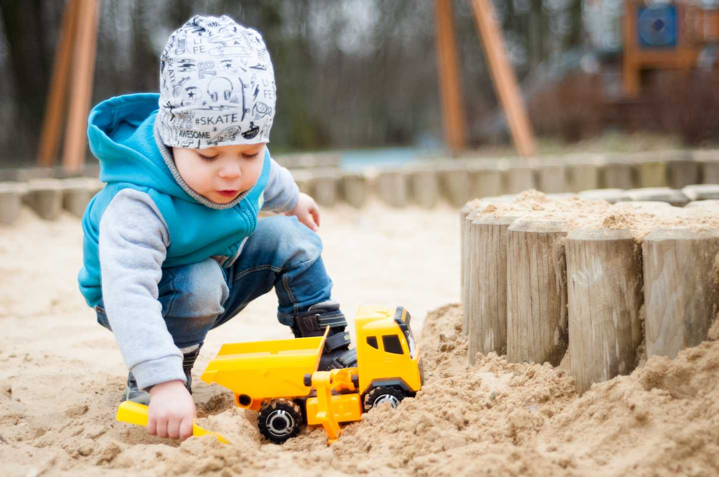 NEW - Sand play**