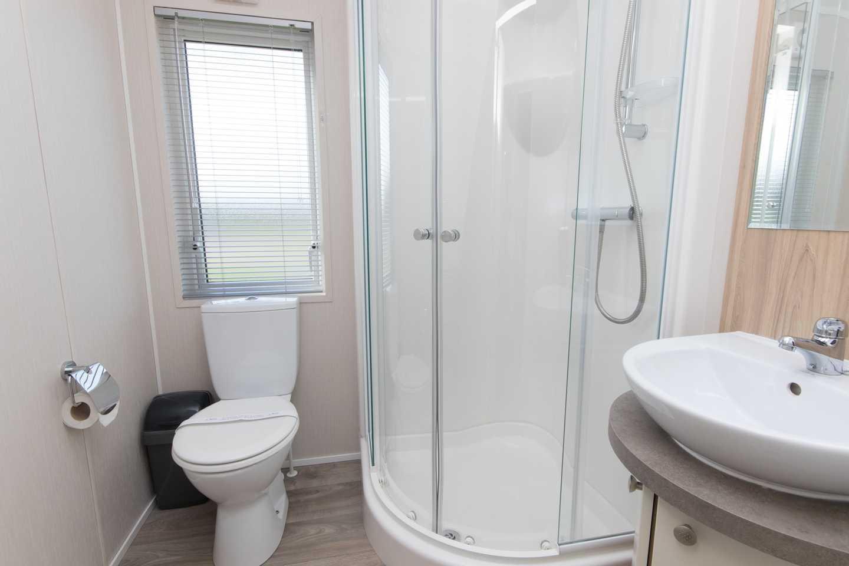 A Luxury Lodge bathroom