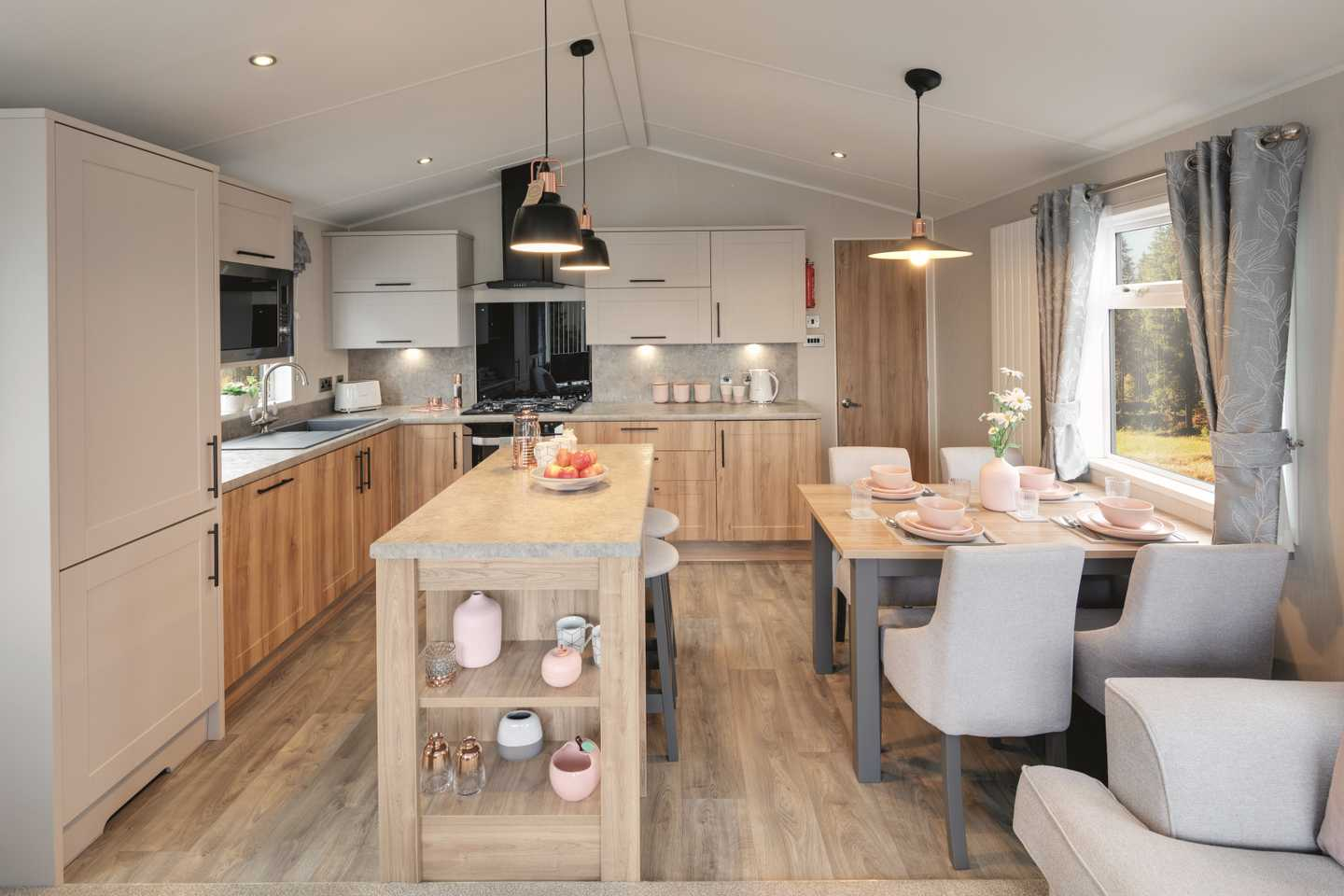 Willerby Waverley dining area