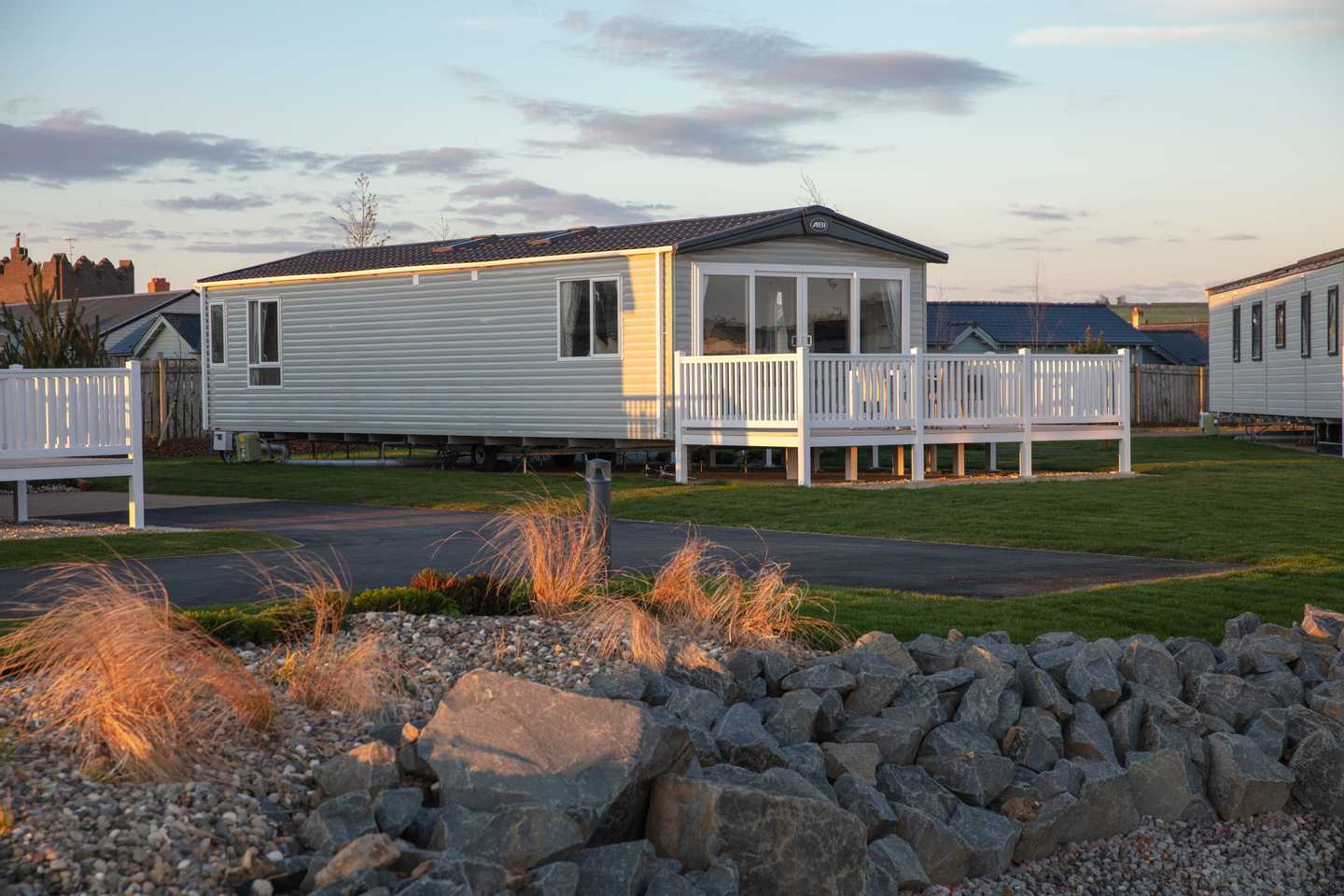Front view of a Platinum with wrap-around decking