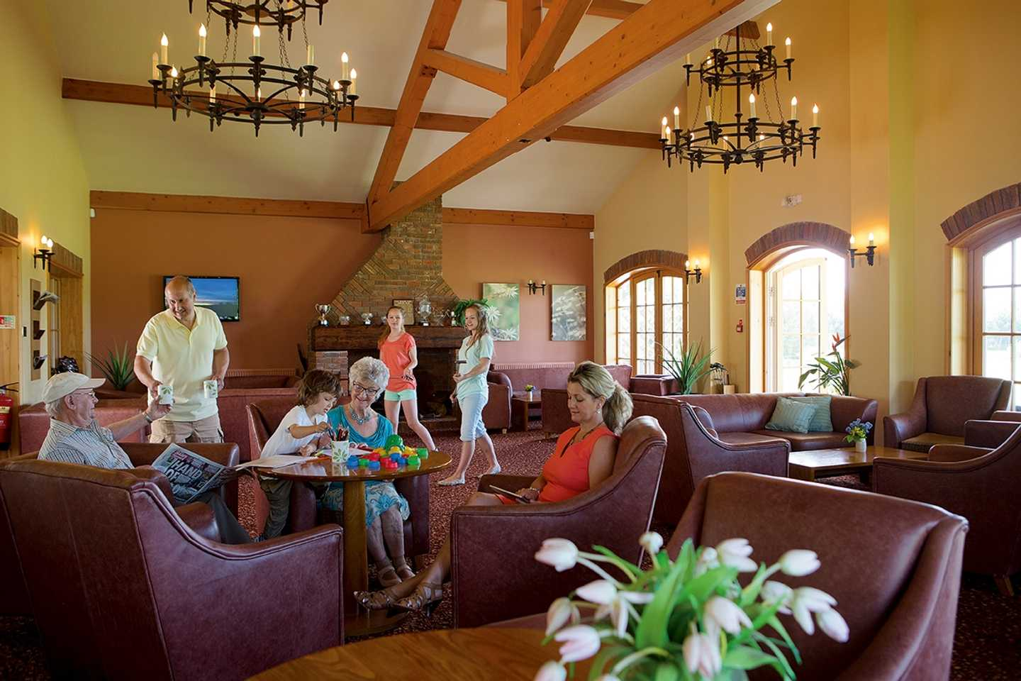 The Owners' Lounge at Far grange