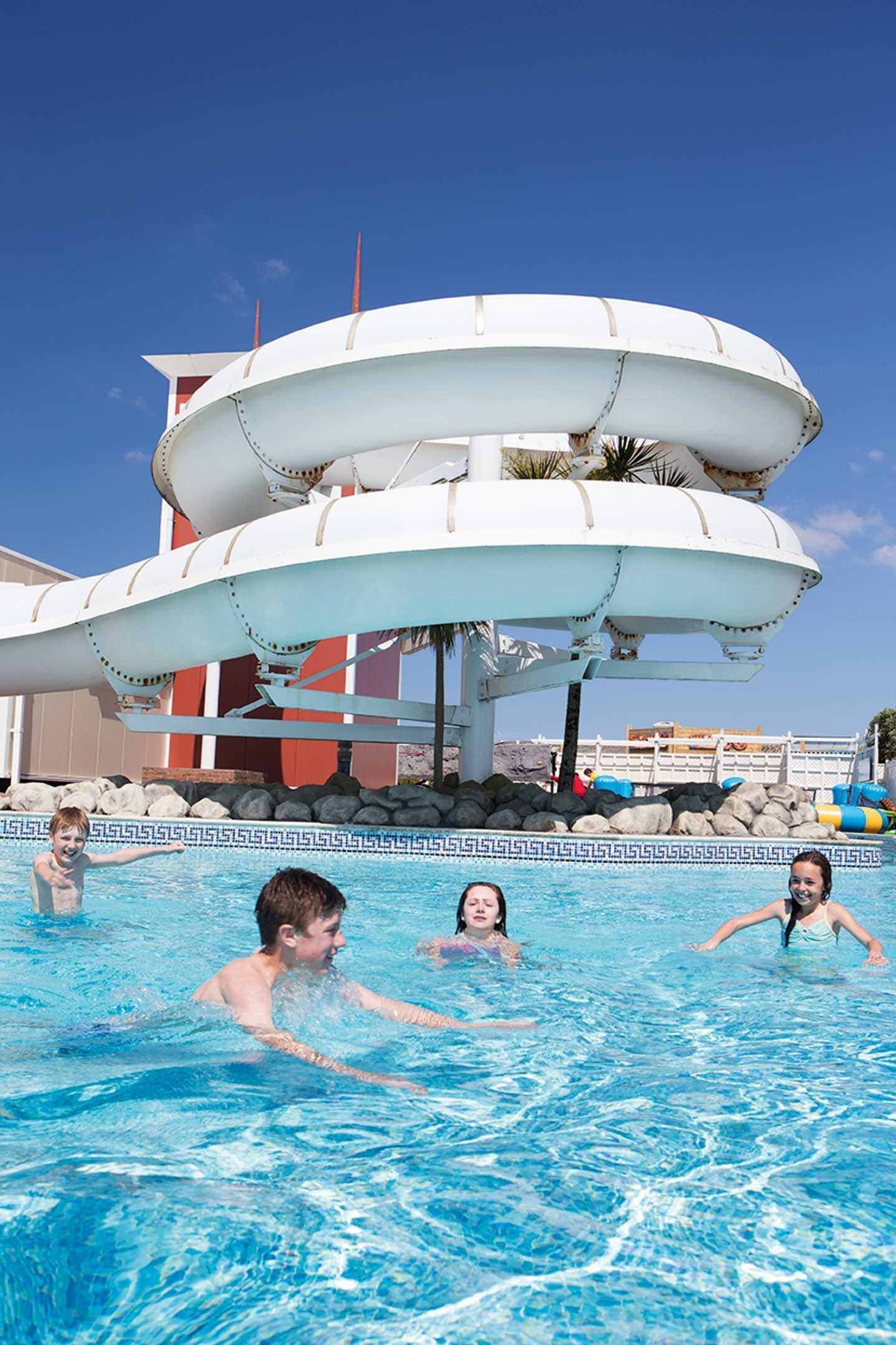 Perran Sands outdoor pool