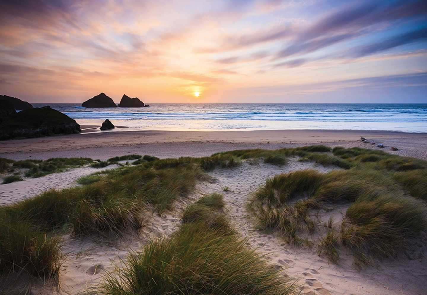 Holywell Bay © AisforAmy91 (flickr)