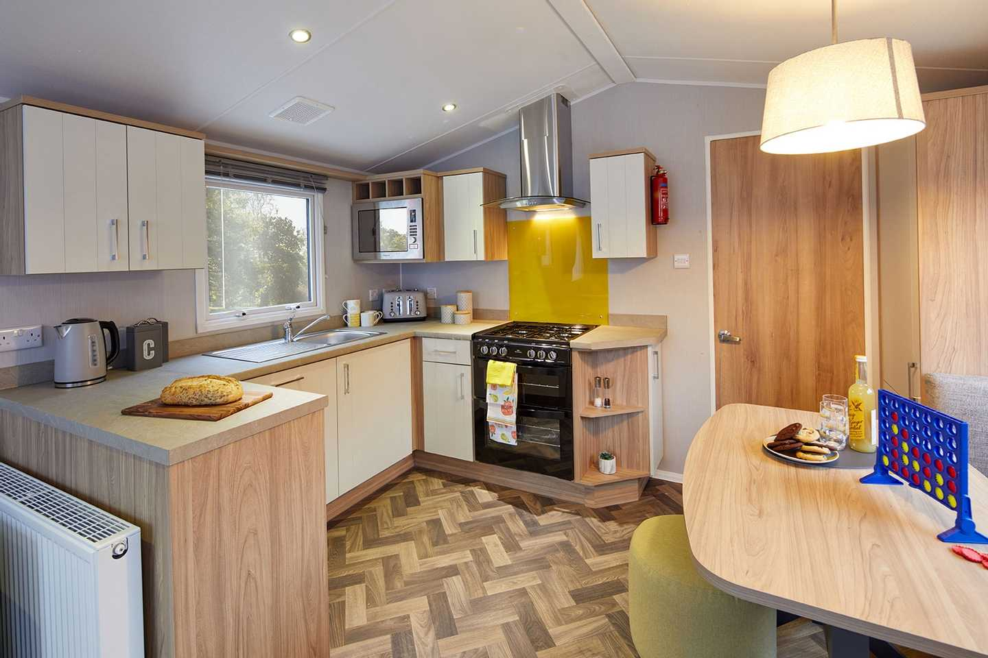 Willerby Vogue Classique dining area