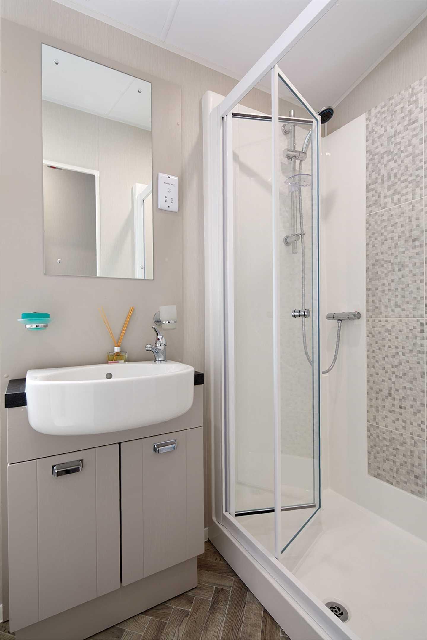 Willerby Sheraton bathroom