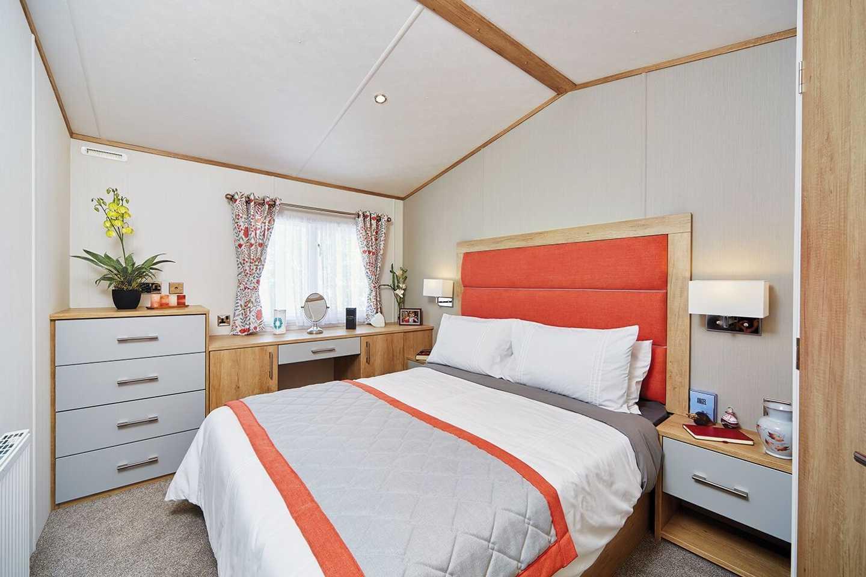 Carnaby Glenmoor Lodge master bedroom