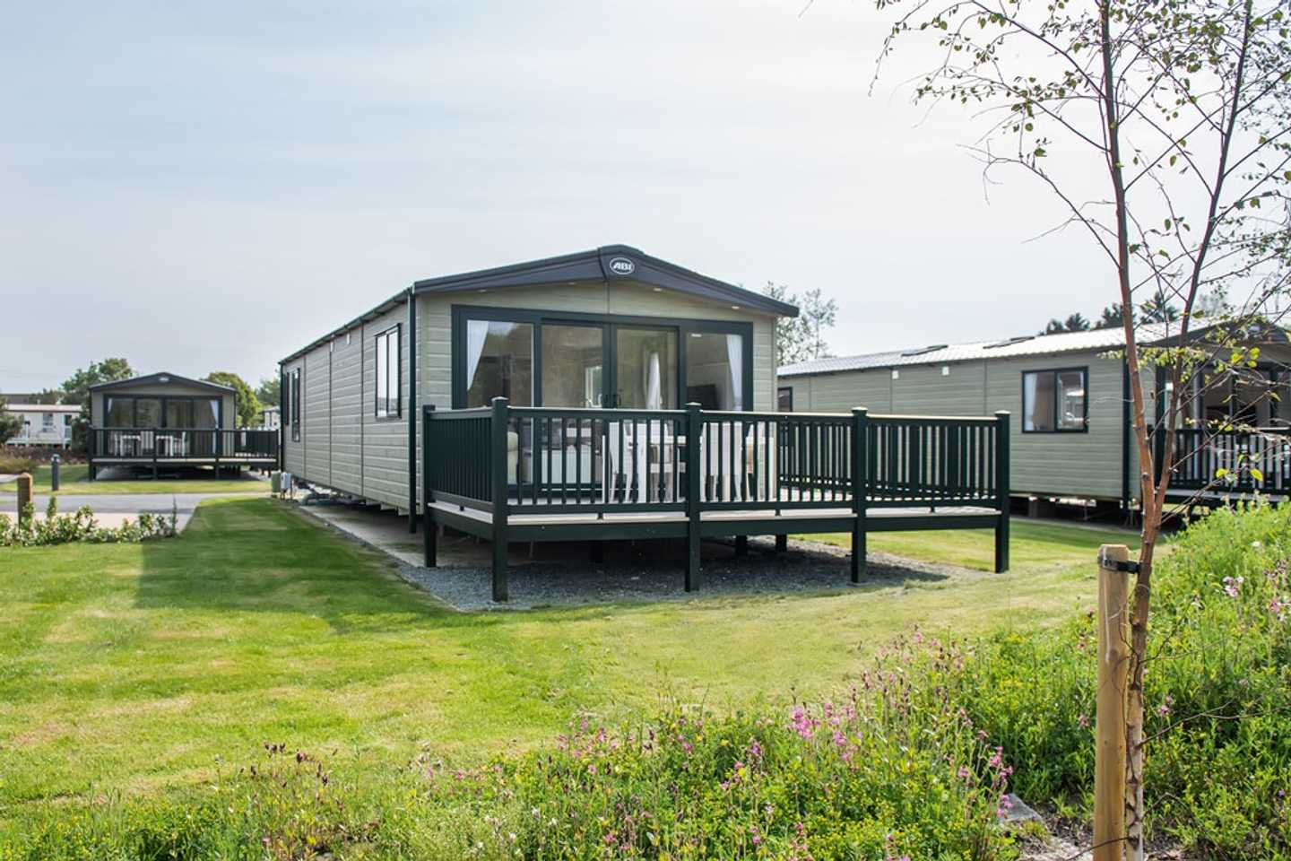 Representation of a Platinum with decking at Kiln View or Curlew